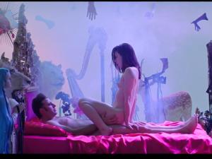 Adanowsky y la actriz porno Stoya. Arte erótico. El vídeo y una entrevista sobre su orgasmo surrealista.